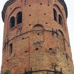 Venerdì 15 settembre alle 20 apre Via Emilia 207 (con campanile)