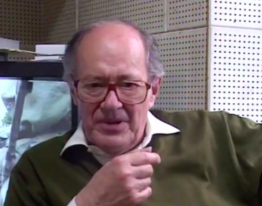 Ugo Gregoretti durante un'intervista, nei locali della Unitelfilm, sulla vicenda della tipografia Apollon.